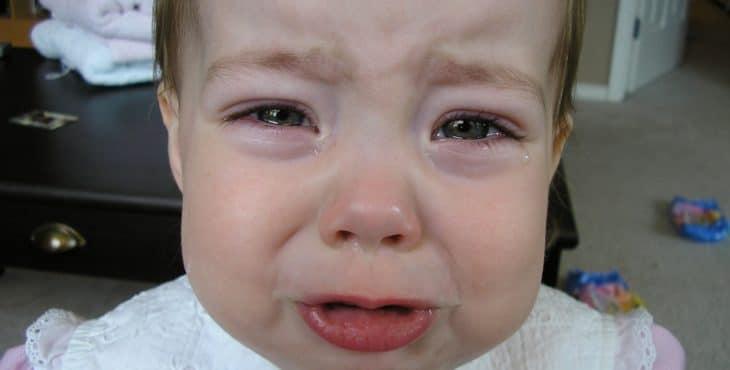Bebe empieza a llorar