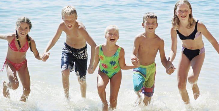 primeras vacaciones en familia en la playa