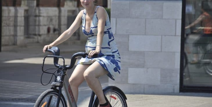 Embarazada en bicicleta