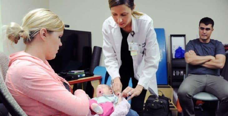 Visita para el chequeo después del parto