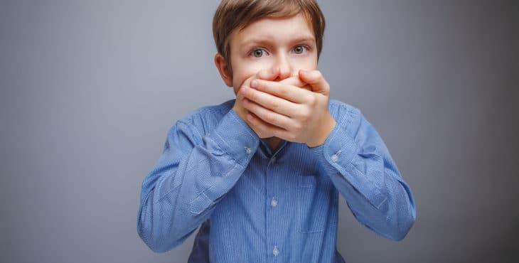 Dolor de encías cuando crecen los dientes