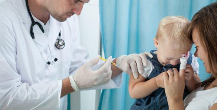 Vacunas infantiles para ciertas enfermedades.
