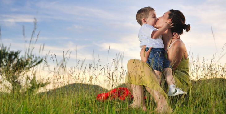 Madre e hijo unidos por el aroma