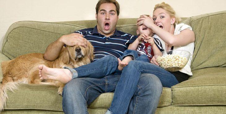 Crea el ambiente ideal para disfrutar en familia de una película