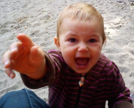 Niño expresando emociones