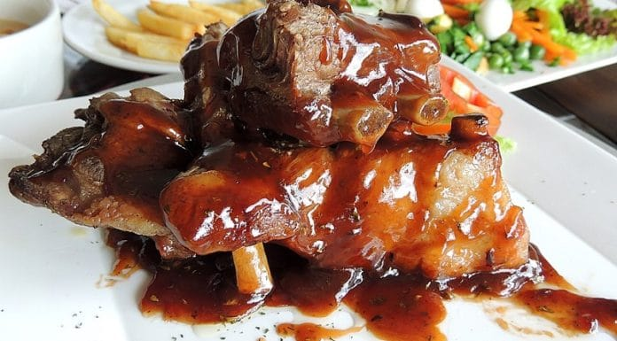 salsa barbacoa casera costillas adobadas con patatas